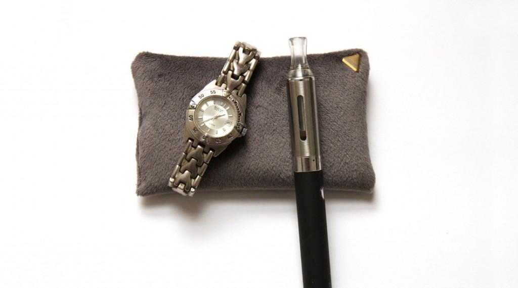 Coussin Chibi small /montre /cigarette électronique /slide